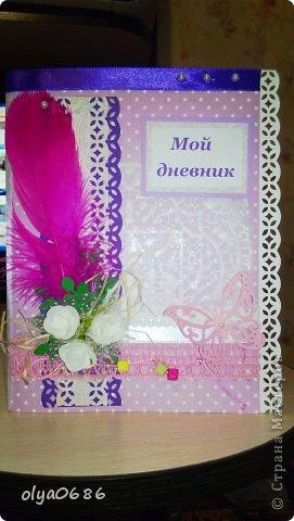Делала дневнички для девочек: племянницы и ее подружки. Оформляла обложку, начинка внутри готовая. К сожалению, нет фотографии блокнота целиком. Первый-в зеленом цвете.  фото 3