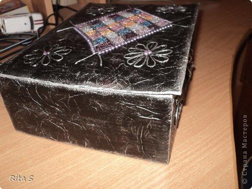 вот и ещё коробочку сделала, и её сразу же конфисковала дочь под резиночки)))) фото 4