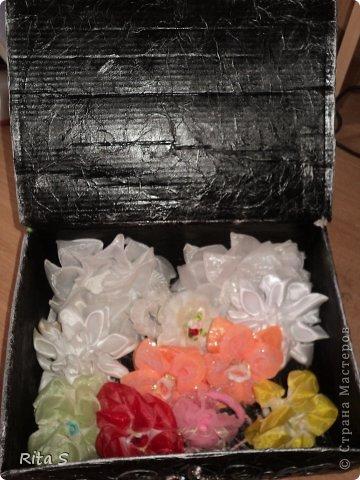 вот и ещё коробочку сделала, и её сразу же конфисковала дочь под резиночки)))) фото 5