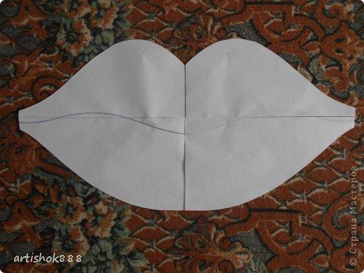 Губы на свадебную машину. Можно использовать также как декоративную подушку или в подарок. фото 2