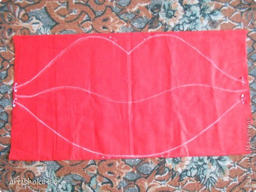 Губы на свадебную машину. Можно использовать также как декоративную подушку или в подарок. фото 3