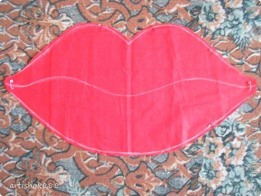 Губы на свадебную машину. Можно использовать также как декоративную подушку или в подарок. фото 4