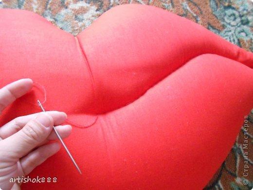 Губы на свадебную машину. Можно использовать также как декоративную подушку или в подарок. фото 8