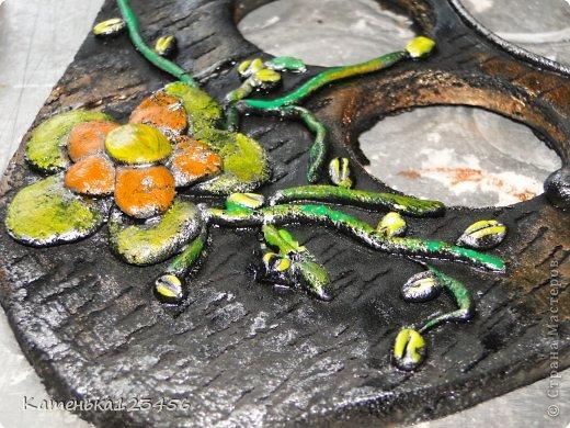 Здравствуйте!Сделала рамочку для сына из соленого теста.Ничего сложного.Сынуле уже девятый год,правда,но решила вспомнить,как это было. Для работы понадобятся: соленое тесто(примерно 600 г.) кисточка+вода клей ПВА и любой быстросохнущий акриловые краски шприц.  фото 23