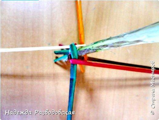 Мастер-класс. Спиральное плетение вокруг каркаса.( Из соломки, газетных трубочек, картонных полосок) фото 19
