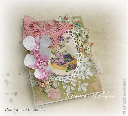 Хочу предложить вашему вниманию несложный мастер-класс по изготовлению декоративного элемента - цветок орхидеи. Он может быть центральным элементом, например, открытки или альбома. Он сам по себе выглядит очень роскошным и подарит неповторимость вашей работе :) фото 10