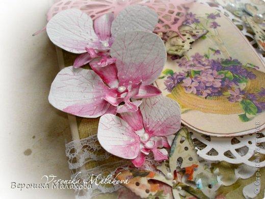 Хочу предложить вашему вниманию несложный мастер-класс по изготовлению декоративного элемента - цветок орхидеи. Он может быть центральным элементом, например, открытки или альбома. Он сам по себе выглядит очень роскошным и подарит неповторимость вашей работе :) фото 11