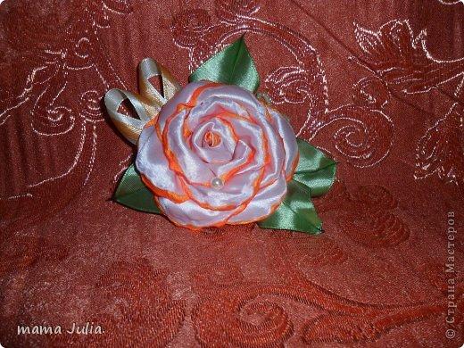Махровая роза из лент.  фото 4