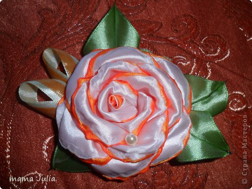 Махровая роза из лент.  фото 1