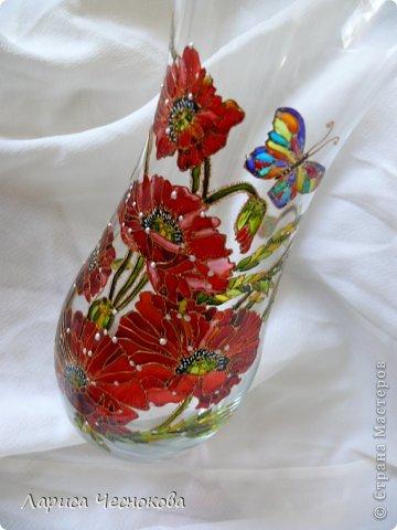 p1340326 Вазы из стеклянных бутылок: декор, роспись и обрезка
