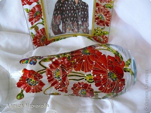 p1340334 Вазы из стеклянных бутылок: декор, роспись и обрезка