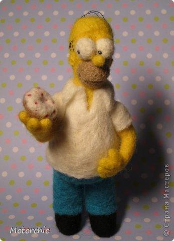 """Сегодня я к вам с """"человеческой"""" работой из шерсти, - Гомером Симсоном, героем мультфильма. фото 3"""