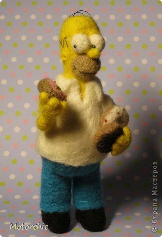 """Сегодня я к вам с """"человеческой"""" работой из шерсти, - Гомером Симсоном, героем мультфильма. фото 6"""