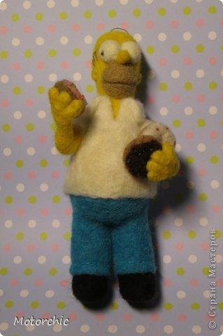 """Сегодня я к вам с """"человеческой"""" работой из шерсти, - Гомером Симсоном, героем мультфильма. фото 10"""