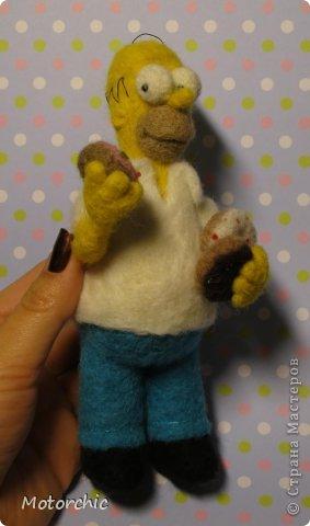 """Сегодня я к вам с """"человеческой"""" работой из шерсти, - Гомером Симсоном, героем мультфильма. фото 11"""