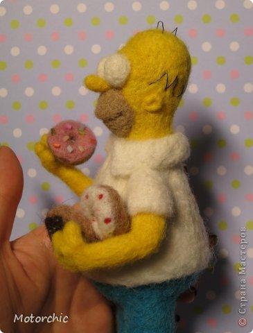 """Сегодня я к вам с """"человеческой"""" работой из шерсти, - Гомером Симсоном, героем мультфильма. фото 12"""