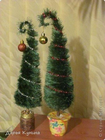 Не знаю, на сколько будет актуален этот пост в середине мая))))) но, все-таки решила выложить фото своих новогодних работ))) Дед Мороз и Коняшка покупные игрушки)))) поставила для красоты. фото 2