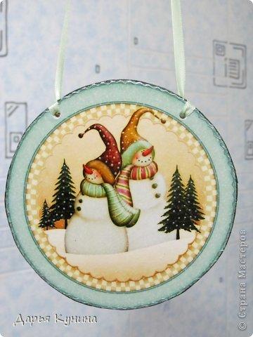 Не знаю, на сколько будет актуален этот пост в середине мая))))) но, все-таки решила выложить фото своих новогодних работ))) Дед Мороз и Коняшка покупные игрушки)))) поставила для красоты. фото 15