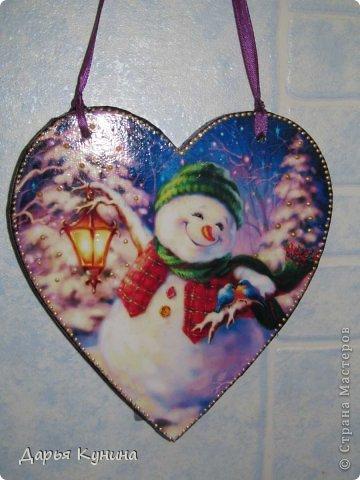 Не знаю, на сколько будет актуален этот пост в середине мая))))) но, все-таки решила выложить фото своих новогодних работ))) Дед Мороз и Коняшка покупные игрушки)))) поставила для красоты. фото 14