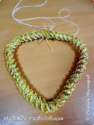 Мастер-класс. Спиральное плетение вокруг каркаса.( Из соломки, газетных трубочек, картонных полосок) фото 45