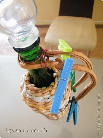 Мастер-класс Поделка изделие Плетение Наряжаем бутылочку   Бумага газетная Бутылки стеклянные Трубочки бумажные фото 30