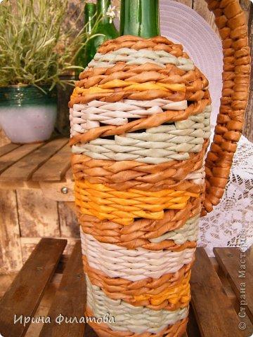 Мастер-класс Поделка изделие Плетение Наряжаем бутылочку   Бумага газетная Бутылки стеклянные Трубочки бумажные фото 3