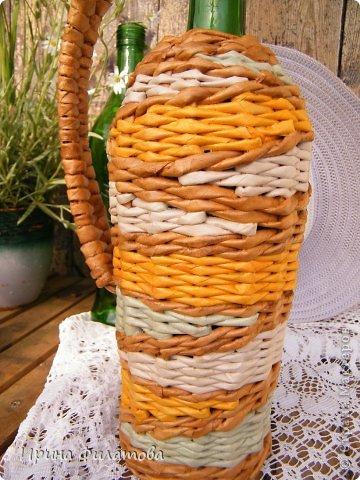 Мастер-класс Поделка изделие Плетение Наряжаем бутылочку   Бумага газетная Бутылки стеклянные Трубочки бумажные фото 5