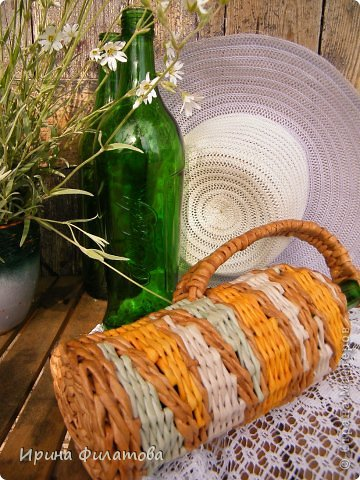 Мастер-класс Поделка изделие Плетение Наряжаем бутылочку   Бумага газетная Бутылки стеклянные Трубочки бумажные фото 7