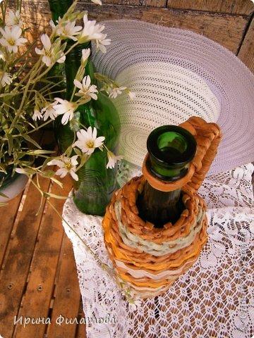 Мастер-класс Поделка изделие Плетение Наряжаем бутылочку   Бумага газетная Бутылки стеклянные Трубочки бумажные фото 10