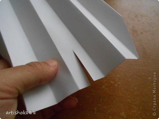 как сделать большие цветы из бумаги своими руками для украшения стены