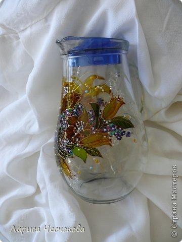 p1340732 Вазы из стеклянных бутылок: декор, роспись и обрезка