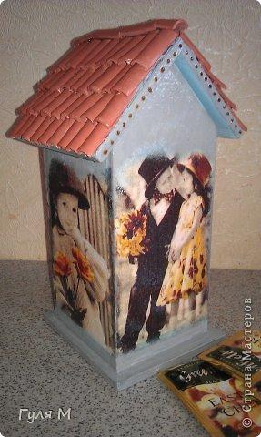вот такой чайный домик сделали на память учительнице нулевого класса. Крышу помогал делать папа )))) Черепица из декоративной глины фото 4