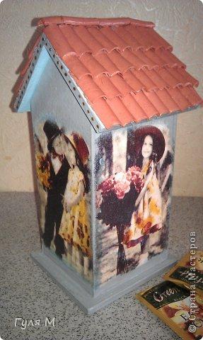 вот такой чайный домик сделали на память учительнице нулевого класса. Крышу помогал делать папа )))) Черепица из декоративной глины фото 5