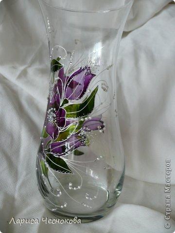p1340760 Вазы из стеклянных бутылок: декор, роспись и обрезка