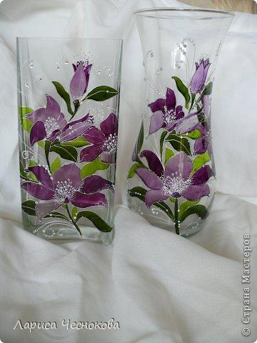 p1340765 Вазы из стеклянных бутылок: декор, роспись и обрезка
