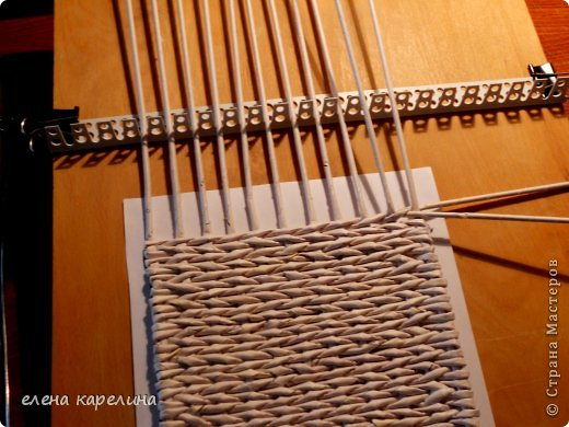 Как сделать станок для плетения из газетных трубочек 51