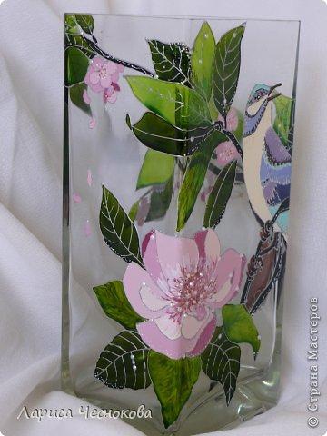 p1340806 Вазы из стеклянных бутылок: декор, роспись и обрезка