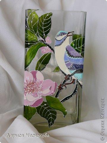 p1340812 Вазы из стеклянных бутылок: декор, роспись и обрезка
