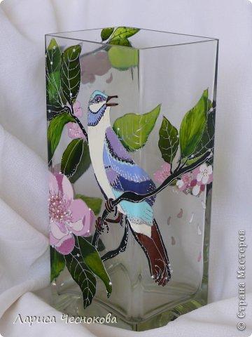 p1340819 Вазы из стеклянных бутылок: декор, роспись и обрезка
