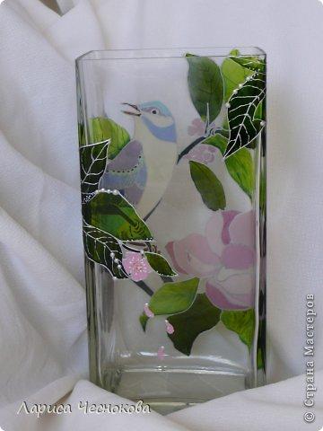 p1340820 Вазы из стеклянных бутылок: декор, роспись и обрезка