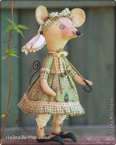 Мышь Шуша - обладает не только обворожительной внешностью, но ещё и имеет добрый характер и скромный нрав. Рост стоя - 31см, сидя - 23см   фото 2