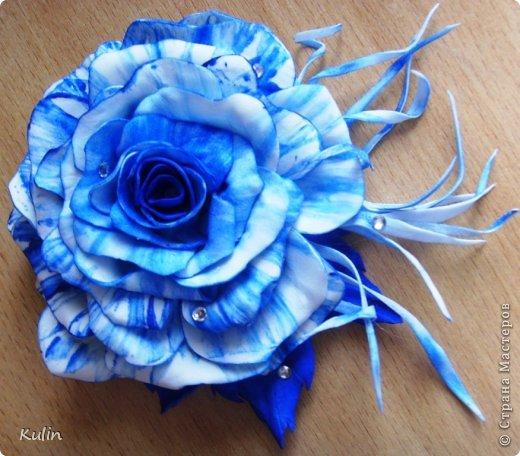 У коллеги день рождения. Думала что подарить... как вдруг та проговорилась, что к синему платью хочет заказать брошь-цветок... Ура! Есть решение! Значит эта брошь будет подарком!!! фото 3