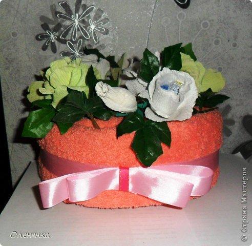 добрый день жители СМ .сегодня я к вам  с полотенечным тортиком .фото делалось второпях как всегда так что простите за фон . фото 1