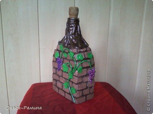 Заказали мне украсить бутылку. Условие одно - она должна быть не прозрачная. Вот я и сделала из бутылки погребок))) фото 3