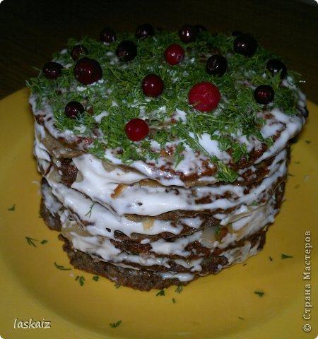 Добрый вечер! Я опять с рецептом))))) Печеночный тортик-настоящая находка для любителей этого продукта,подходит и для завтрака-обеда-ужина и к праздничному столу подать не стыдно! фото 2