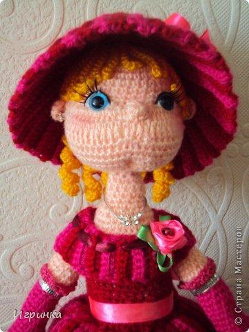 """Здравствуй, Страна! Все поделки люблю делать в двойном экземпляре. Недавно выставляла свою интеръерную куклу по описанию куклы """"Мисс Стрипс"""" - перевод Kolobok. А сегодня представляю новую куклу по этому же описанию. Получилась она на вид постарше первой, да и повыше немного. Правда имя ей еще не придумала - может мастерицы помогут мне в этом? фото 1"""
