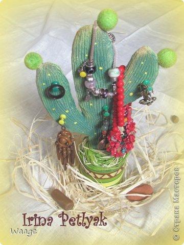 Предлагаю вам сделать вот такой кактус для временного хранения бижутерии. фото 21