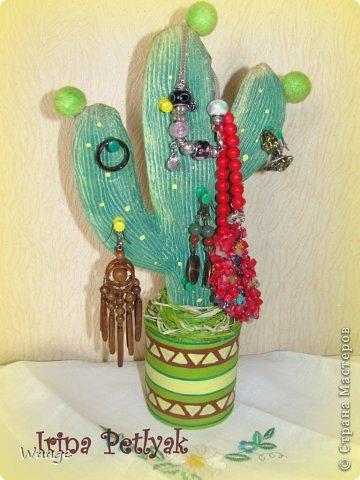 Предлагаю вам сделать вот такой кактус для временного хранения бижутерии. фото 22