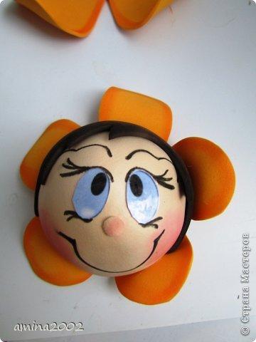 Добрый день! Предлагаю попробовать сделать веселый магнит на холодильник,у меня часто спрашивают -как я делаю куклы из фоамирана? В этом МК вы немного ознакомитесь с техникой изготовления изделий из фома. фото 29