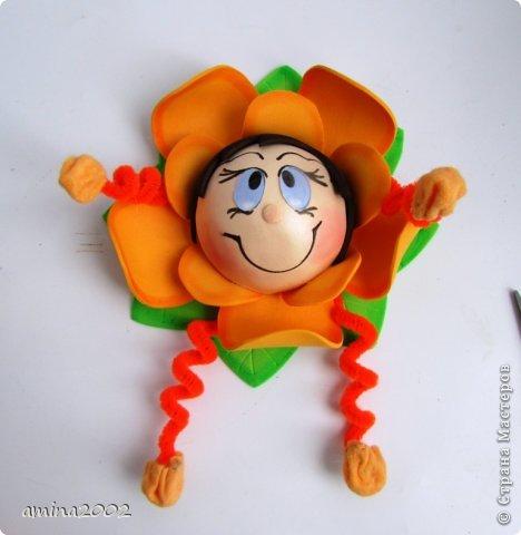 Добрый день! Предлагаю попробовать сделать веселый магнит на холодильник,у меня часто спрашивают -как я делаю куклы из фоамирана? В этом МК вы немного ознакомитесь с техникой изготовления изделий из фома. фото 38